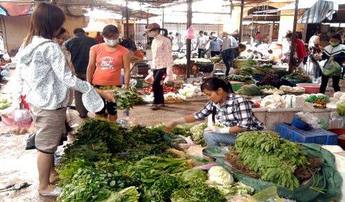 Hết mưa bão, rau xanh vẫn đắt (07/11/2012)