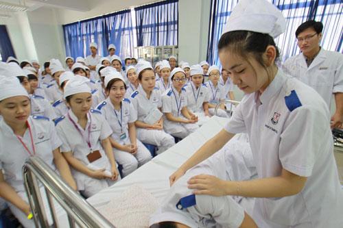 Trường Trung cấp Kinh tế - Kỹ thuật Quốc Việt được phê duyệt  đào tạo ngành Y sỹ đa khoa và Dược sỹ (bậc TCCN)
